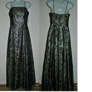 Bari Jay Gown Formal Dress Black & Silver Size 3-4